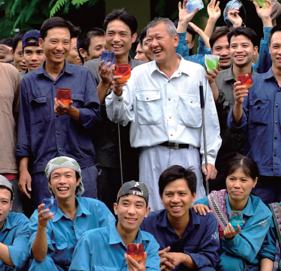 ベトナム工房の職人